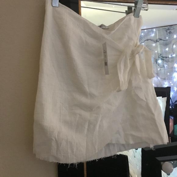 c370a30ef6 SOLD ON DEPOP showpo not happening skirt